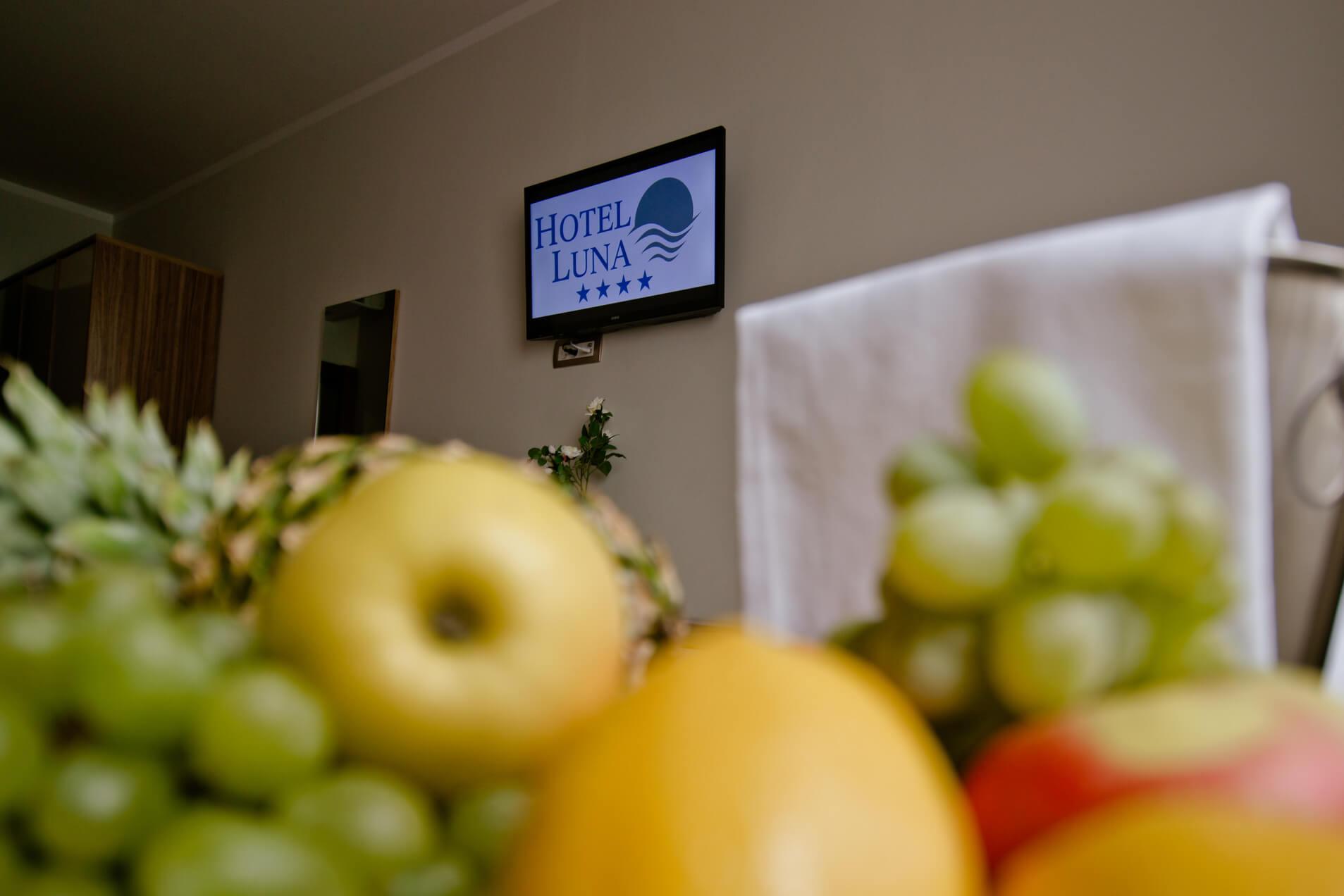 Specijalne usluge u sobi/Special room service/Servizio in camera speciale